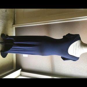 BCBGMaxazria ribbed lightweight navy maxi dress